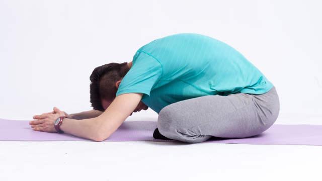 Lendenwirbel häufige Schmerzstelle - mit Rückenübungen vorbeugen