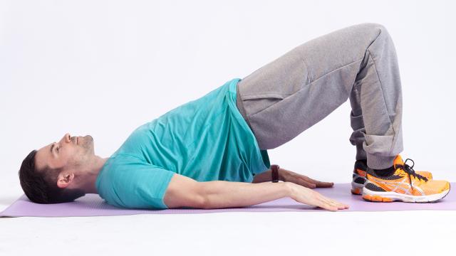 tägliche Rückenübungen helfen Beschwerden zu vermeiden