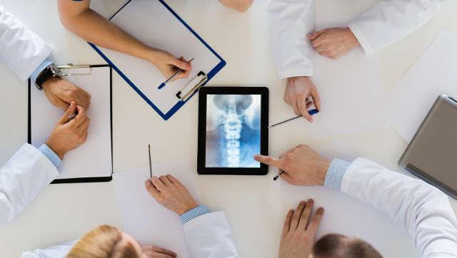 Vermeiden von Rückenschmerzen mit medizinischem Wissen und Produkten