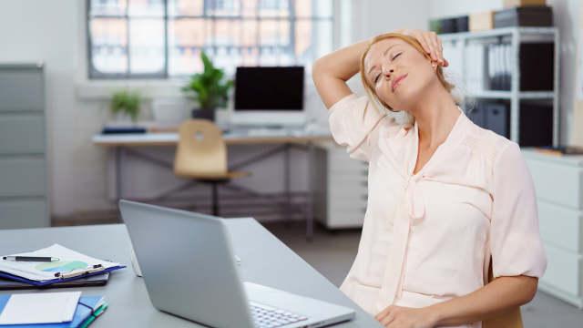 Schone Deinen Rücken am Arbeitsplatz und Büro